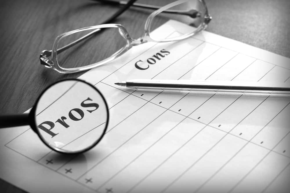 What are the pros and cons of collaborative divorce?